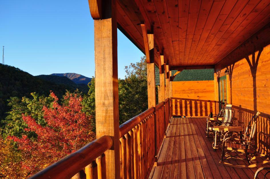 American Patriot Getaways Great Smoky Mountains Gatlinburg Pigeon Forge Cabin Rental