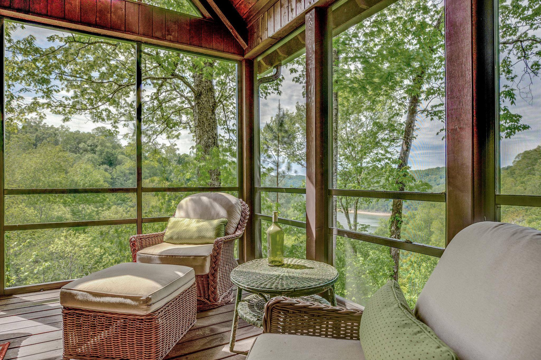 Center-Hill-Chalets-Center-Hill-Lake-Tennessee
