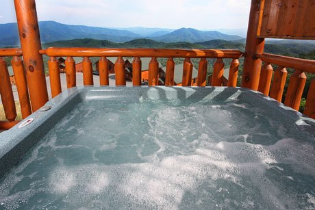 Eden-Crest-Vacation-Rentals-Great-Smoky-Mountains-Hot-Tub-View