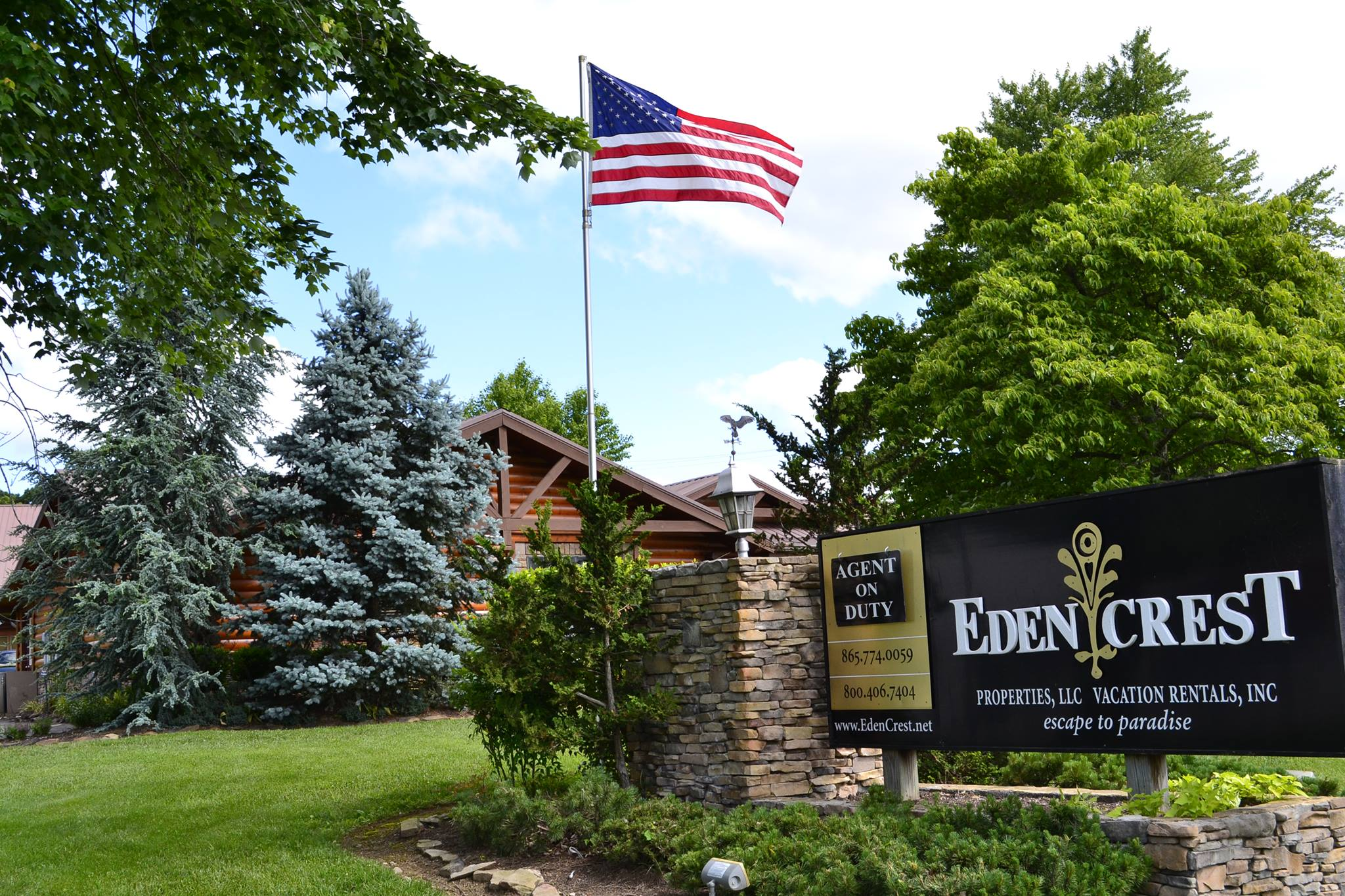 Eden-Crest-Vacation-Rentals-Pigeon-Forge-Tennessee-Office