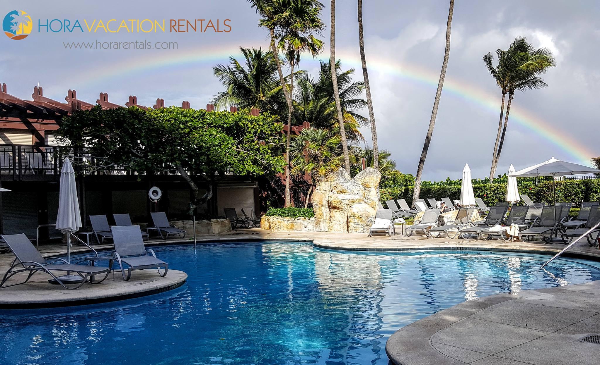 Hora Vacation Rentals Miami Beach Florida Upscale Luxury Condo Poolside