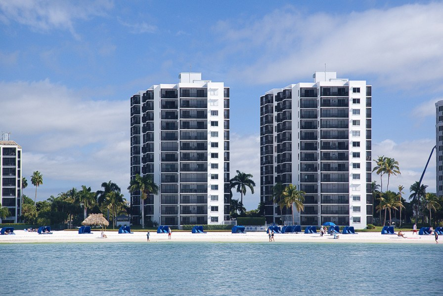 Island Winds Condominiums Fort Myers Beach