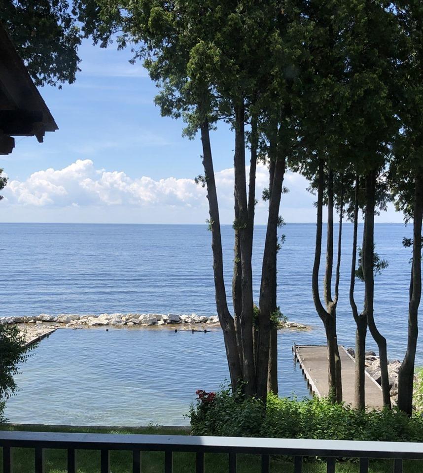 Lundquist-Realty-Vacation-Rentals-Lakefront-Rental-Home-Door-County-Wisconsin