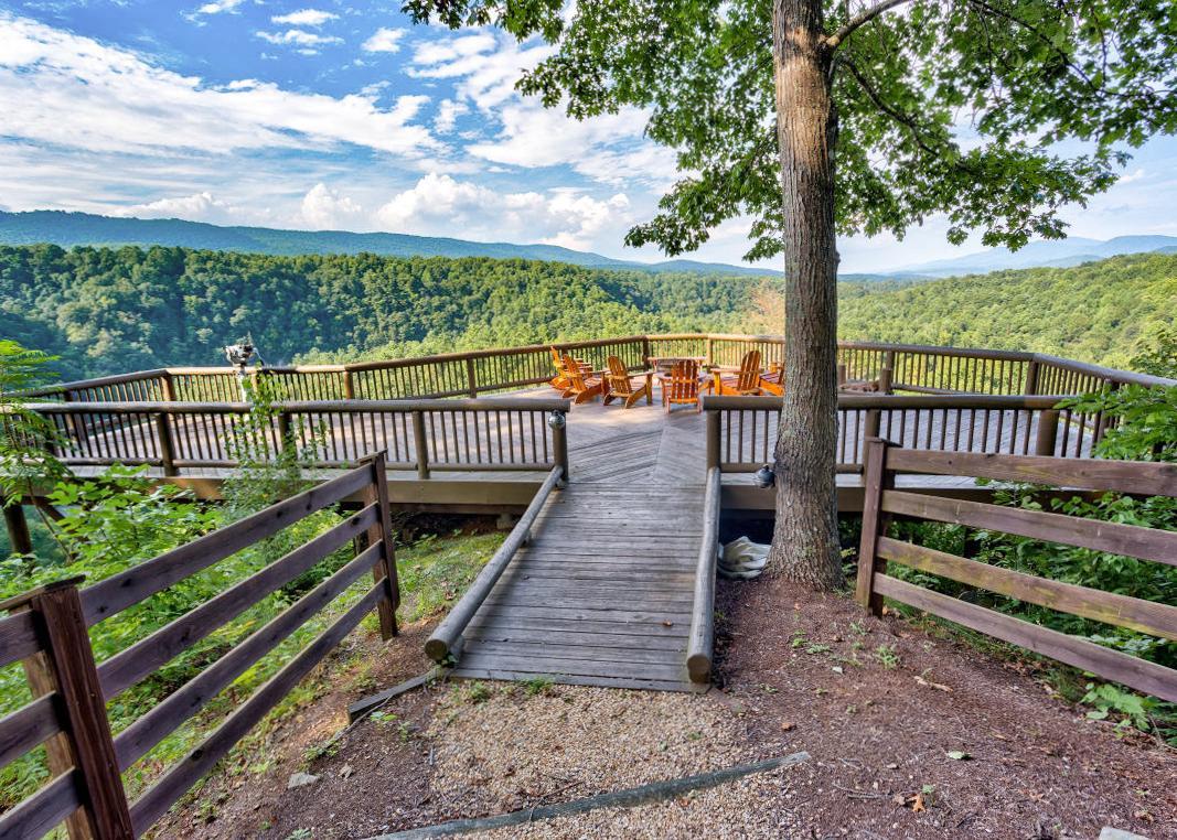 Natural Retreats Hot Springs Area Virginia Vacation Rentals.