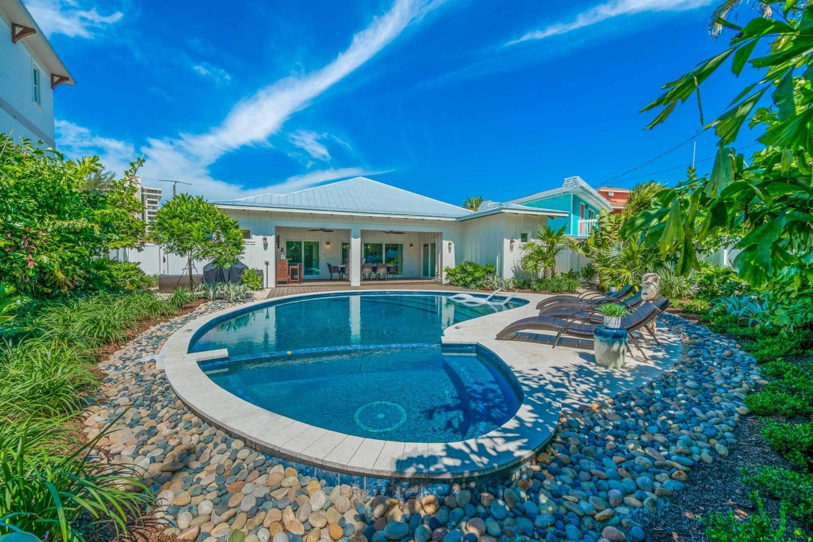 Siesta-Key-Luxury-Rental-Properties-Siesta-Lido-Key-Rental-Bahama-Mama