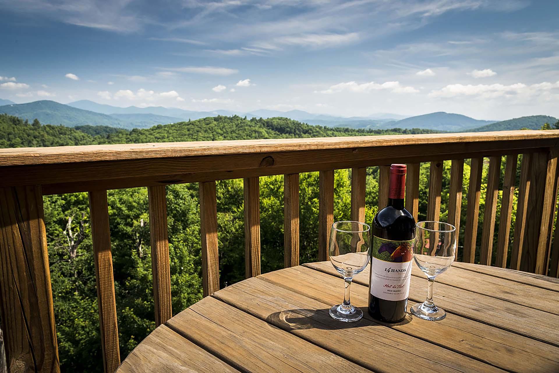 Blowing Rock Bears Eye View of Blue Ridge Mountains North Carolina