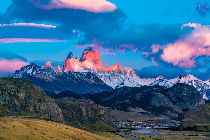 Glacier Natioinal Park Village Accommodations Weeklong Vacation In The USA