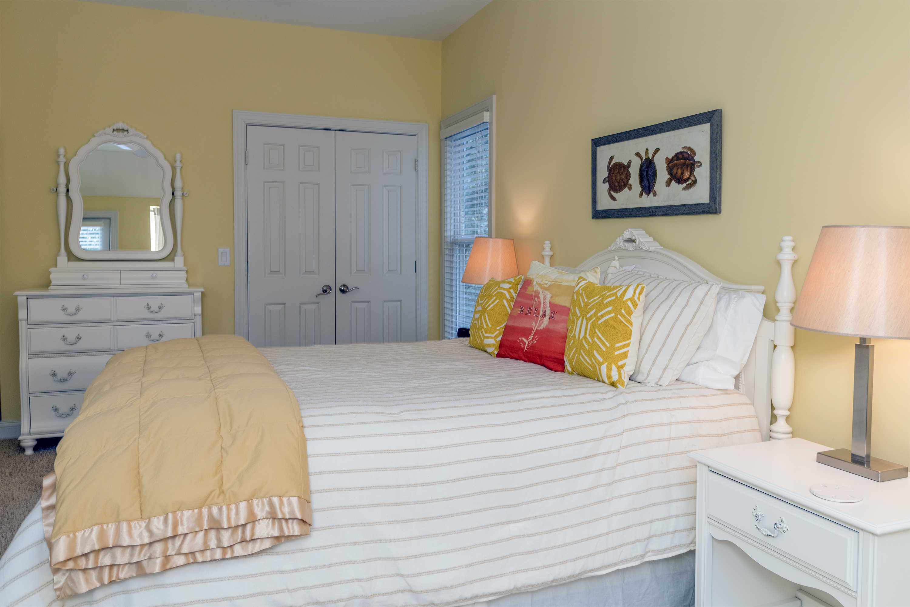 4th bedroom with queen bed.