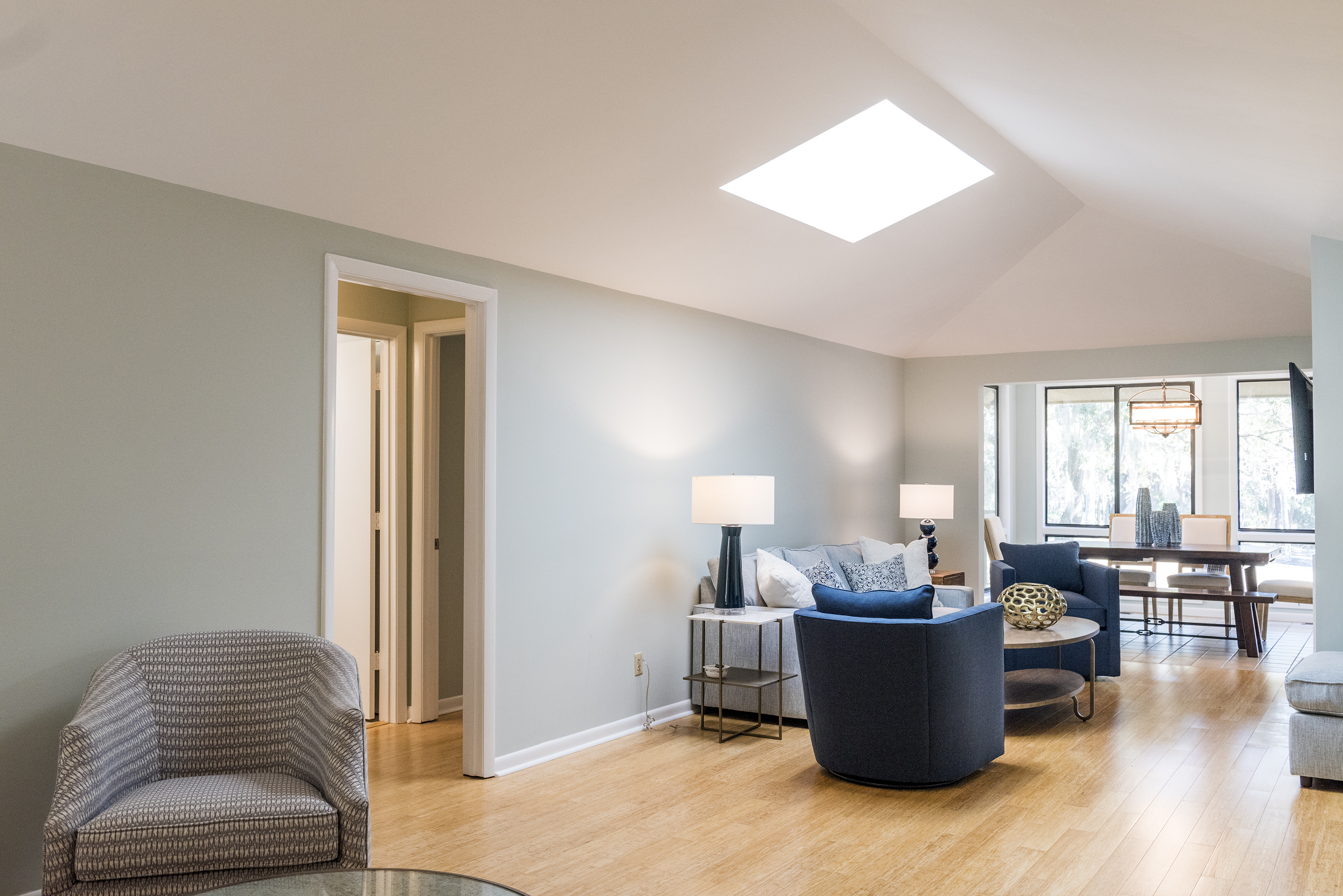 This beautifully updated cottage greets you with vaulted ceilings and natural light.