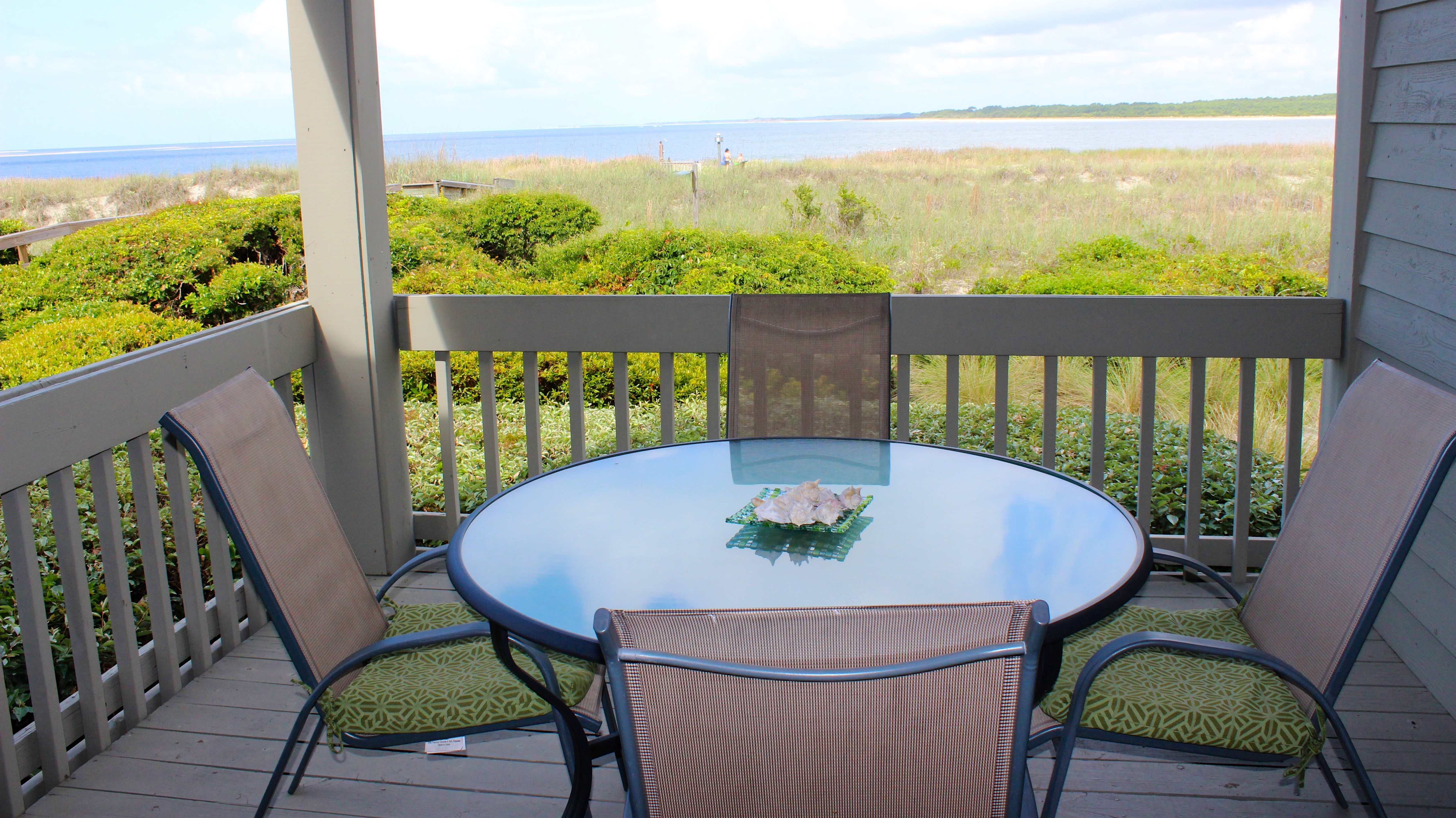The deck offers great views to the Atlantic Ocean and Edisto River.
