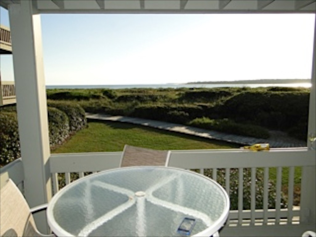 It is located on Pelican Beach where the Edisto River meet the Atlantic Ocean.