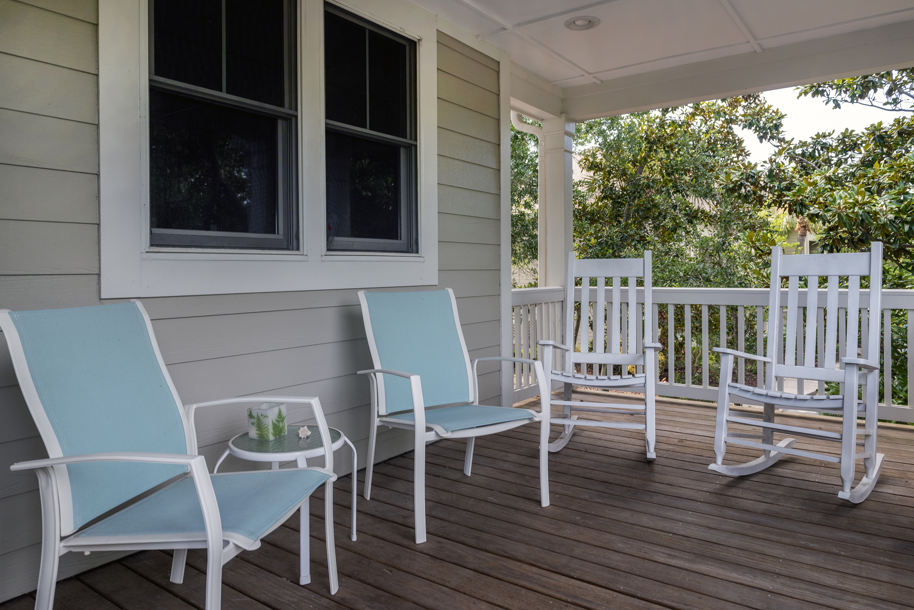 Great front porch!