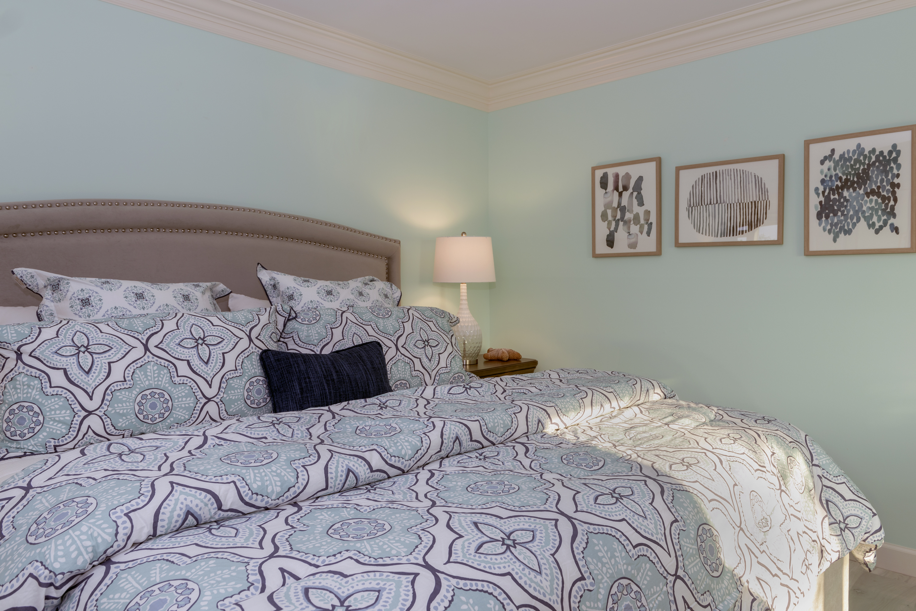 Beautiful Master Bedroom with brand new king mattress.