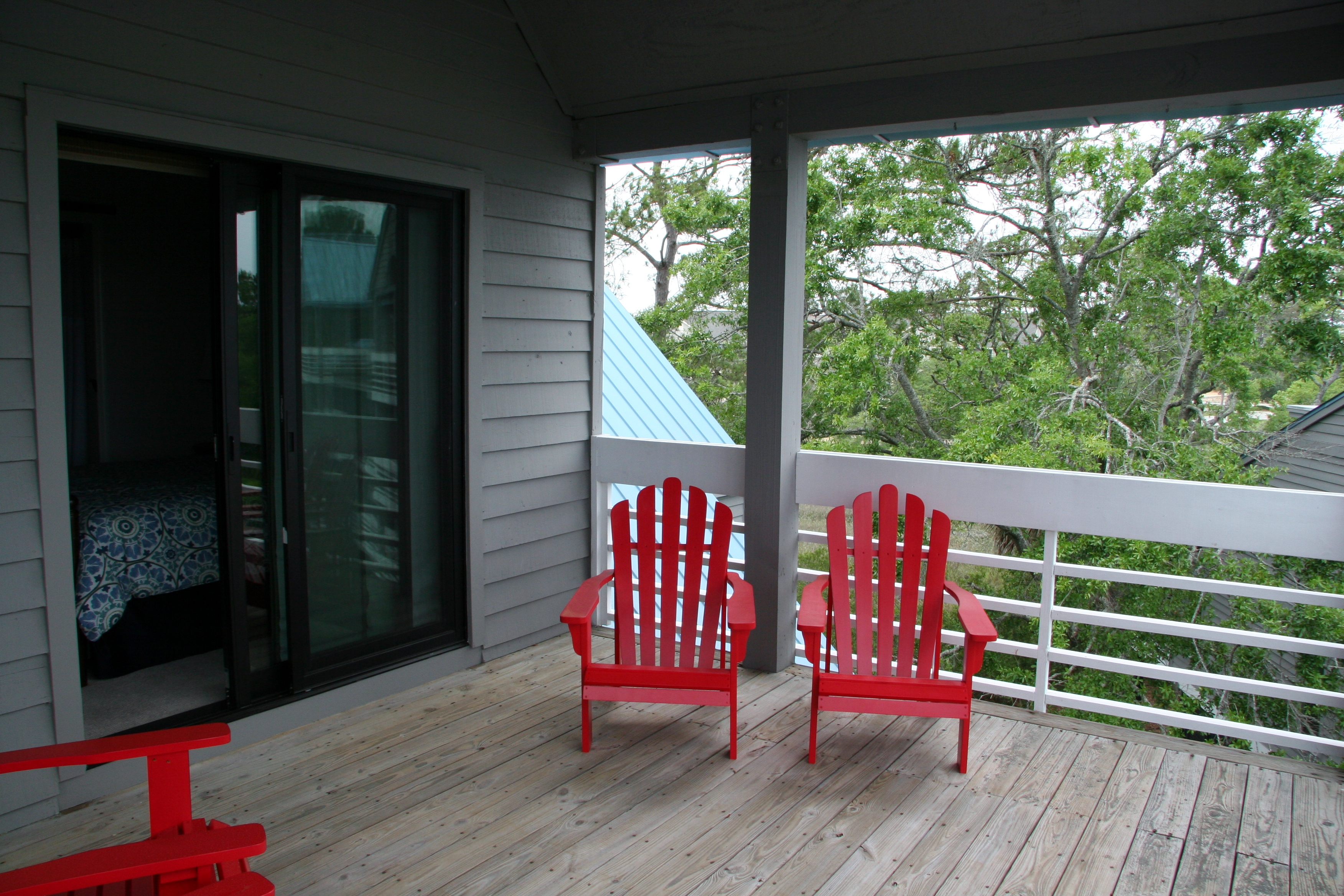 Enjoy the large deck off the 2nd bedroom!