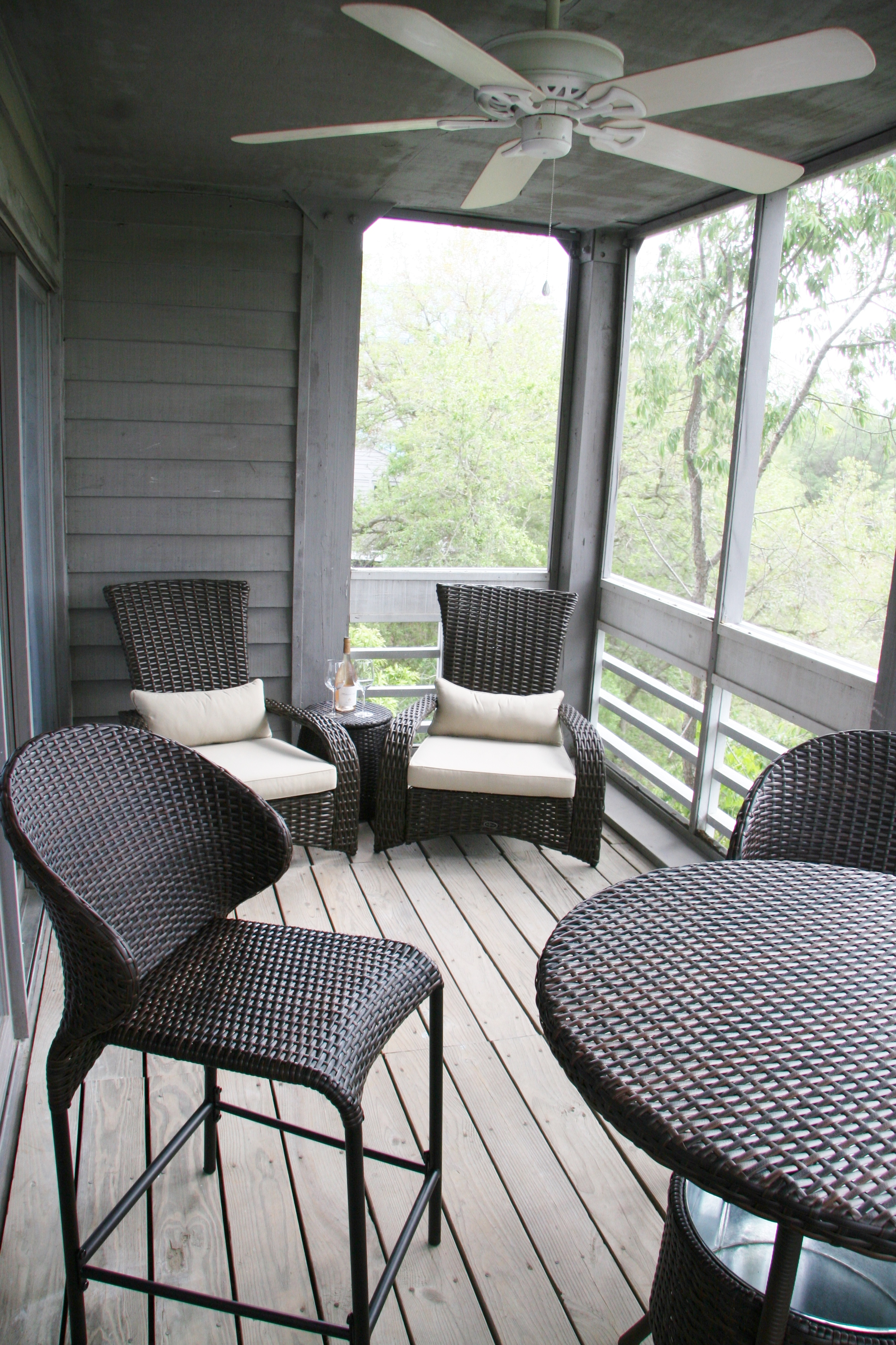Enjoy the screened in porch!