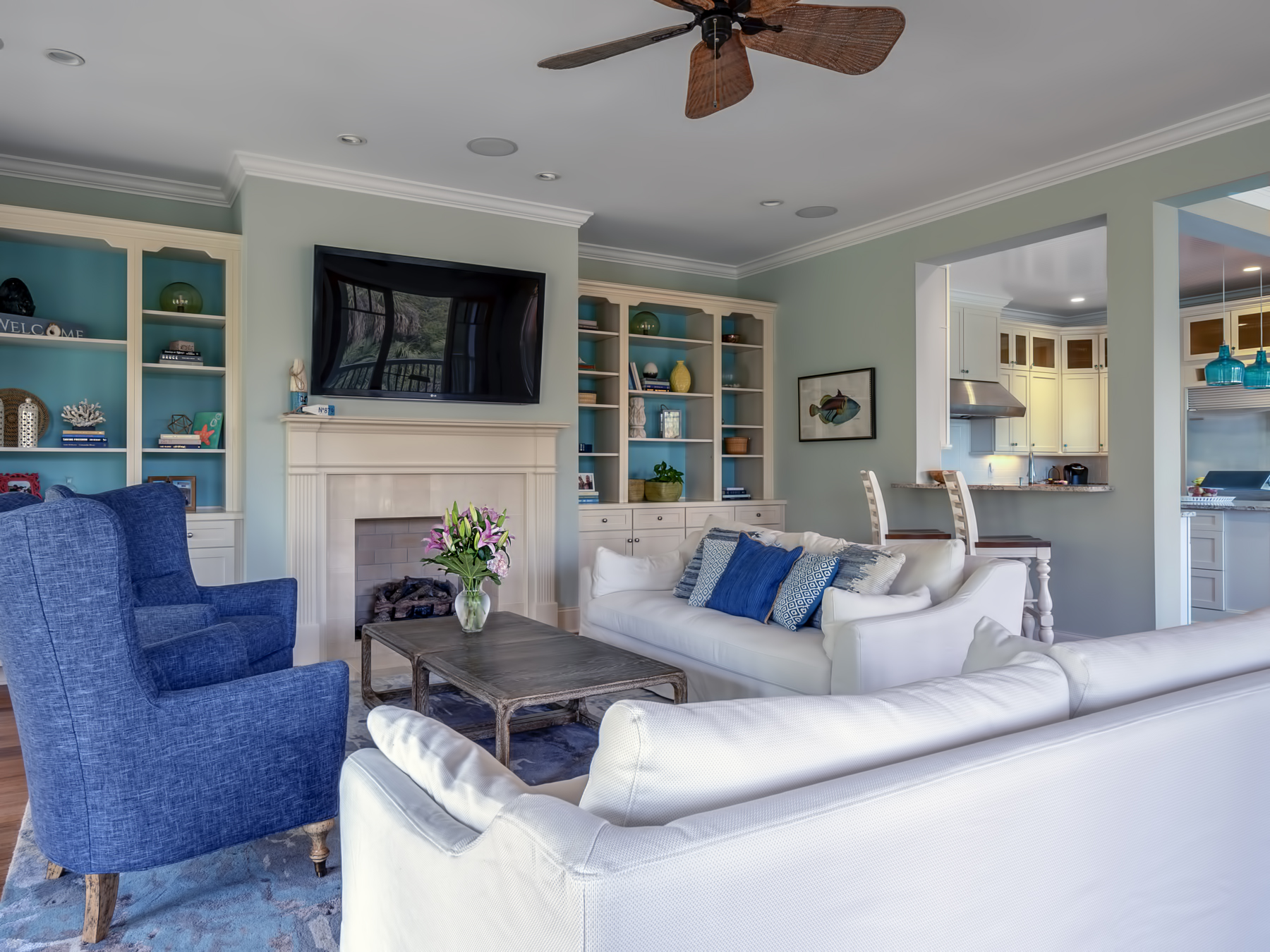 The comfortable beach decor invites you to kick off your shoes and relax with family and friends.