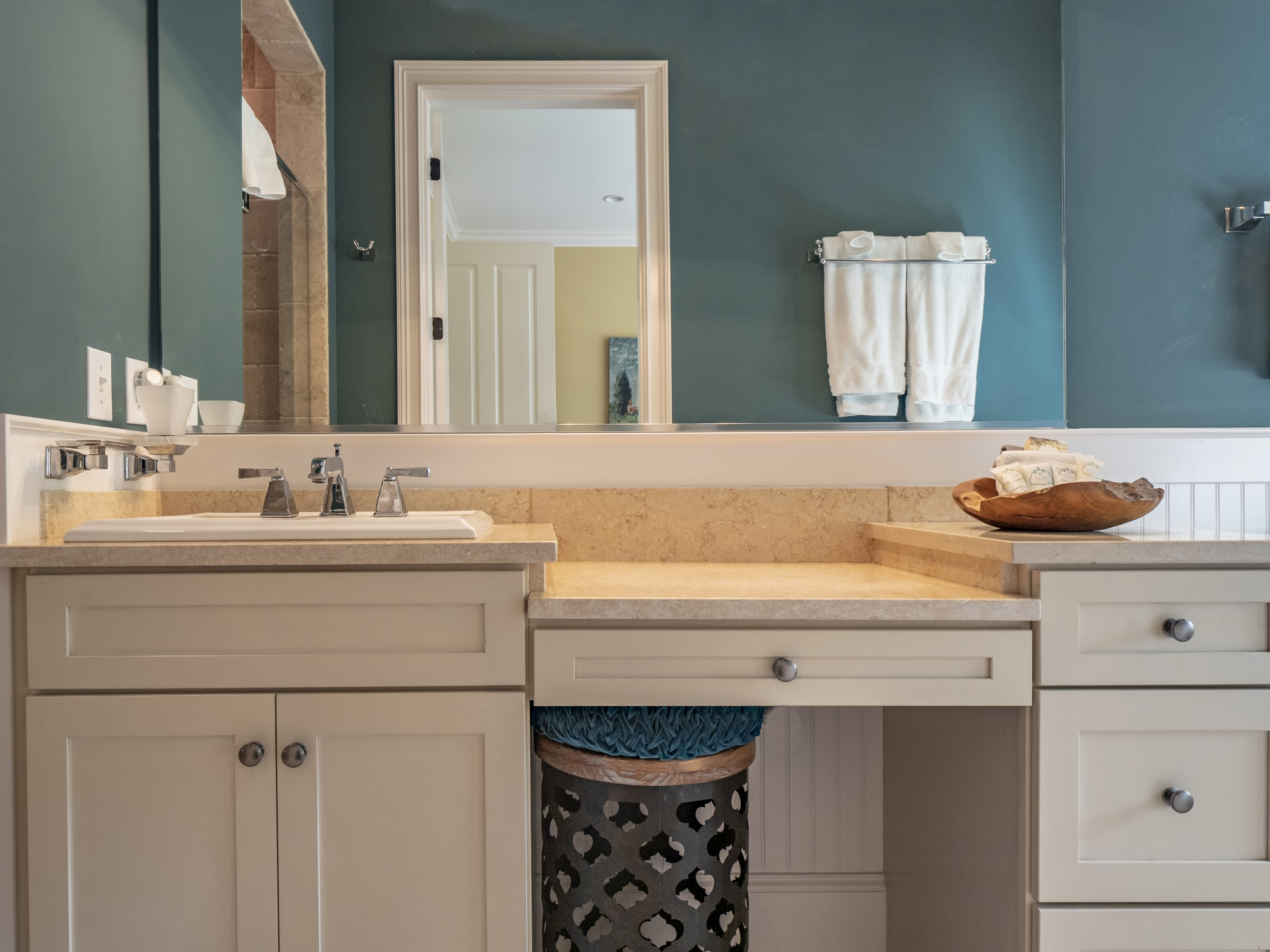 Expanded vanity area