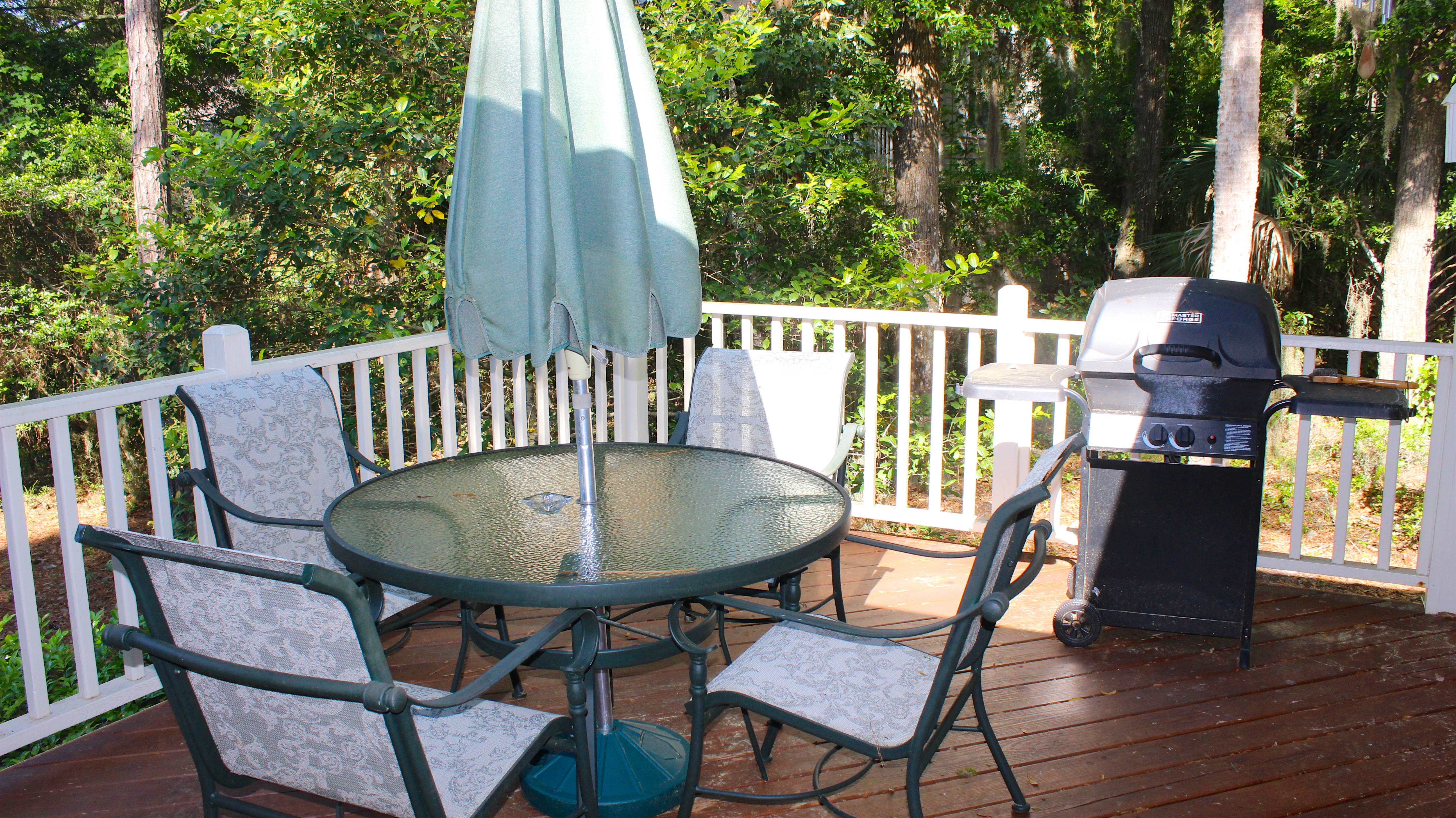 Grill on the deck and dine under the sun.
