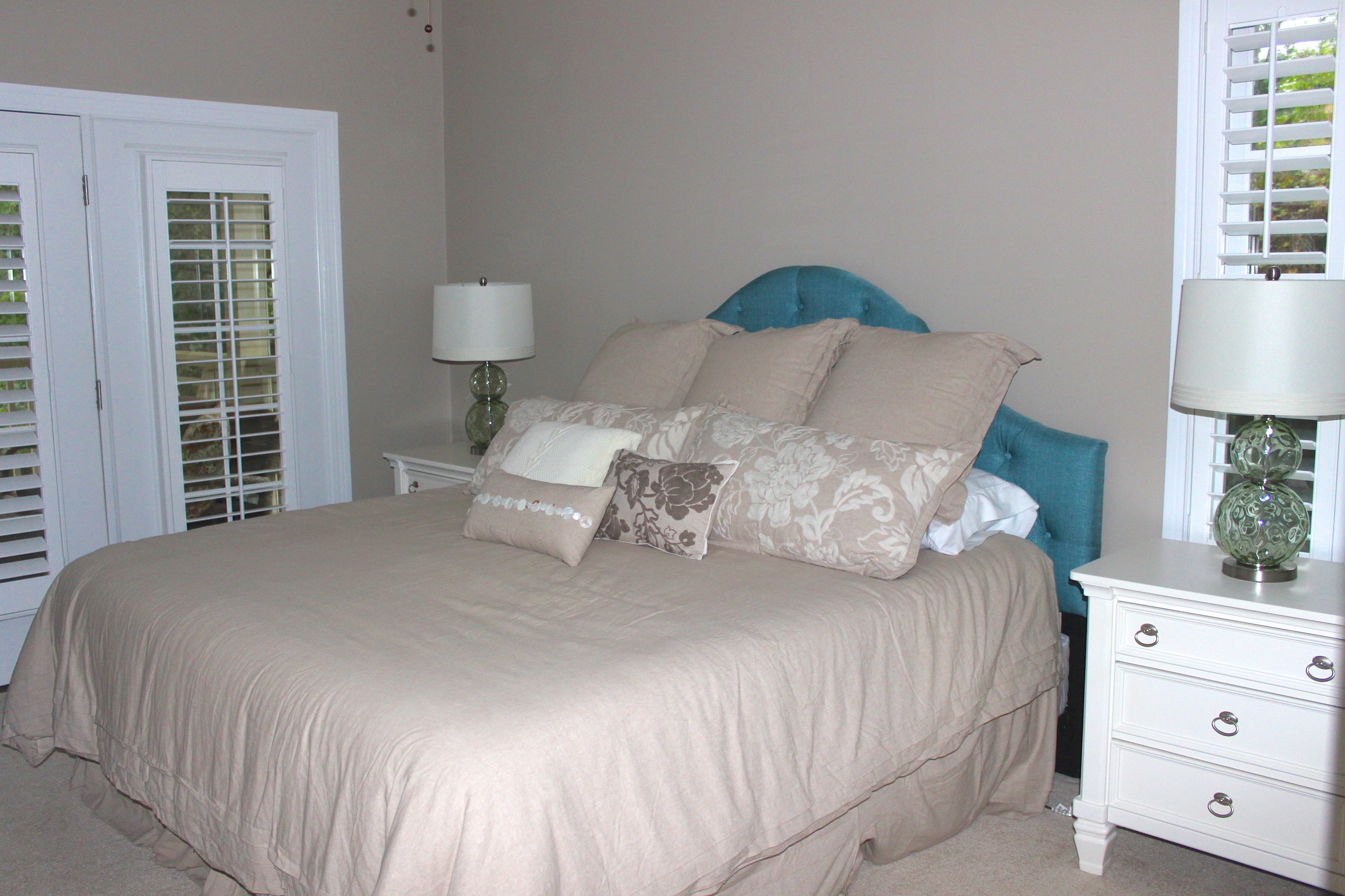The 2nd bedroom (1st floor) has a king bed.