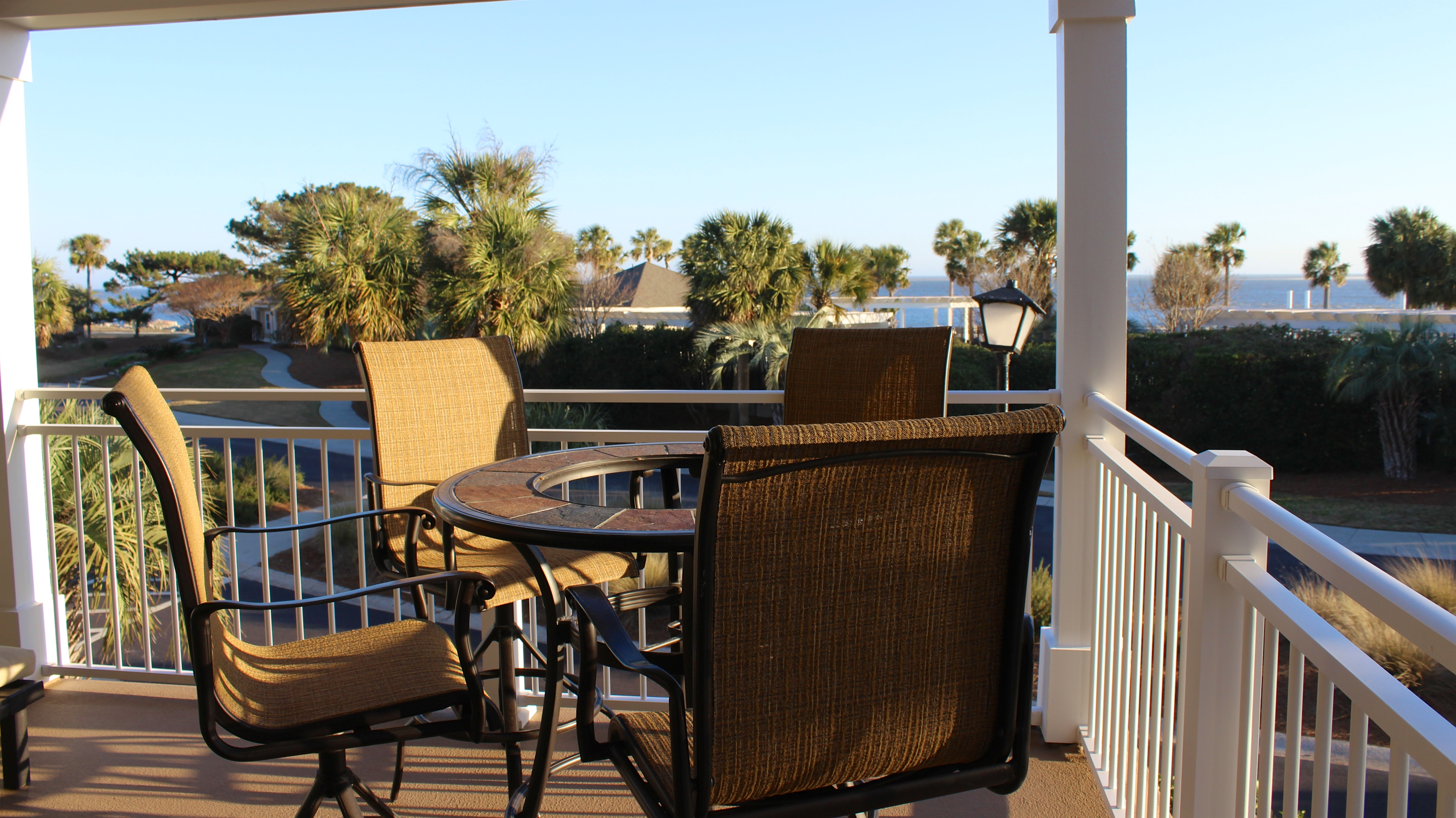 Gather around the table overlooking the ocean for appetizers and drinks.