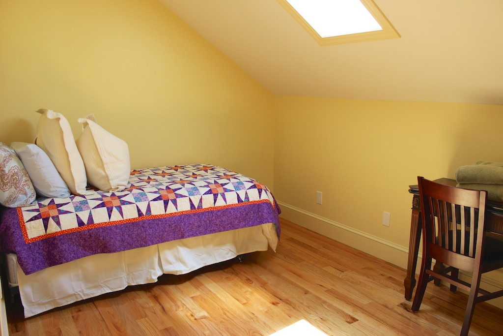The kids will love the separate room with a twin bed and desk.