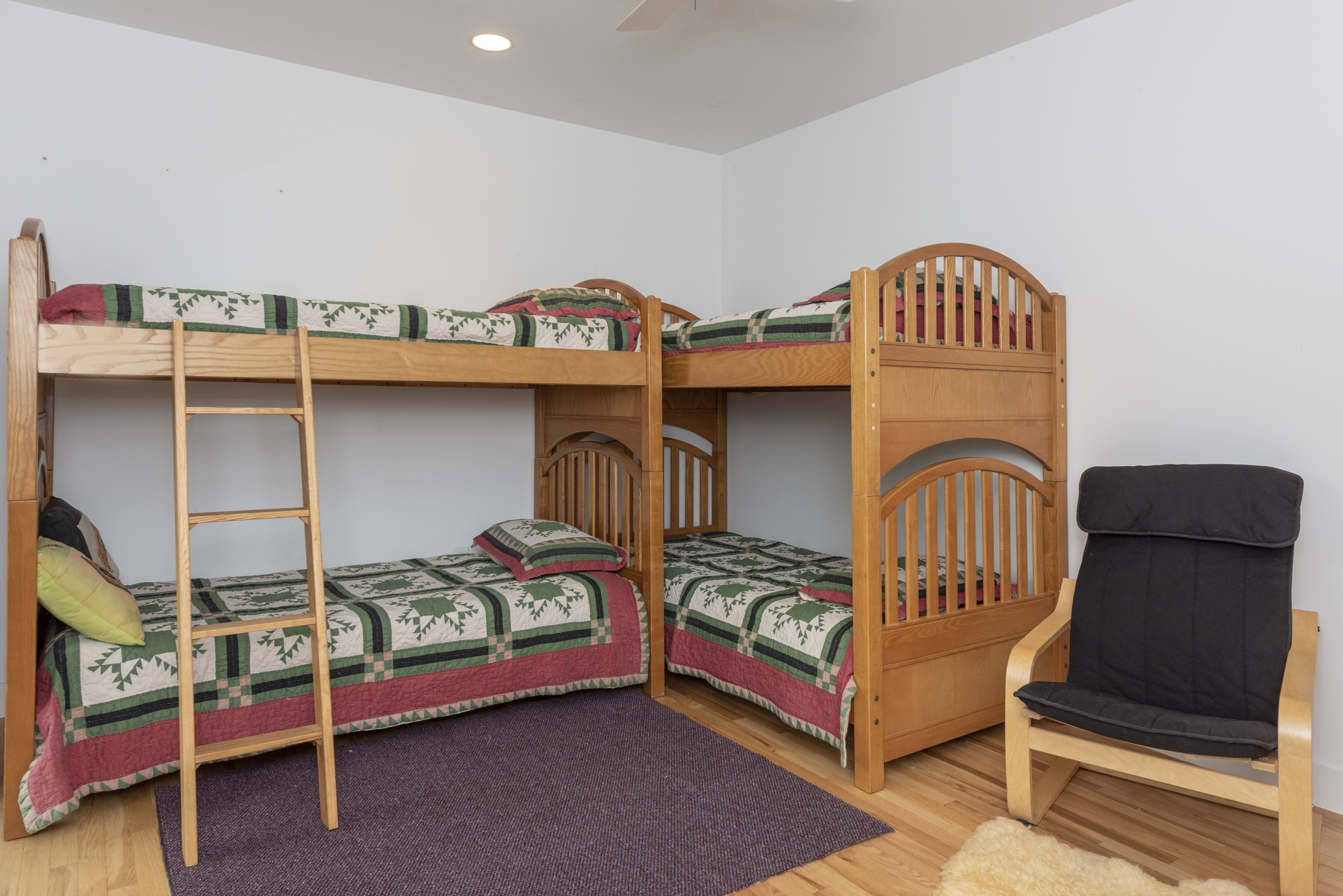 2 sets of twin bunks beds with a flat screen TV for enjoyment!