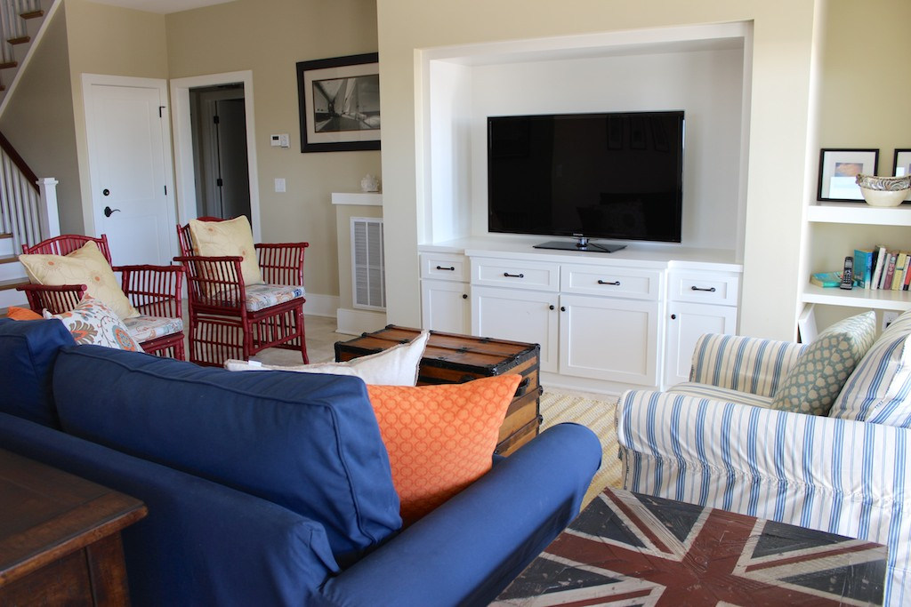 Gather around the large HDTV in this great away space.