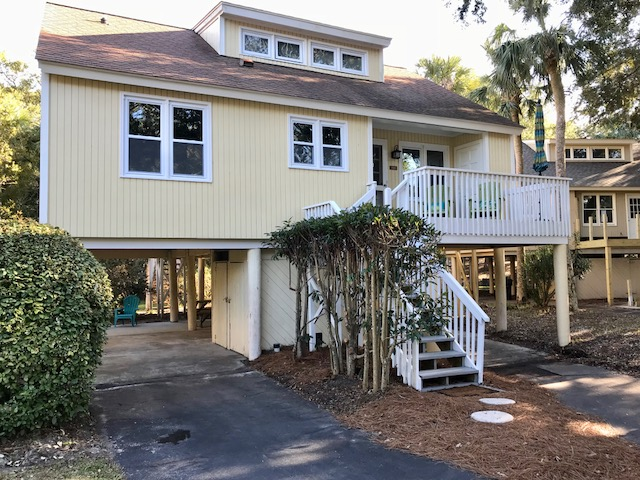 Welcome to 520 Tarpon Pond - totally renovated, absolutely beautiful!