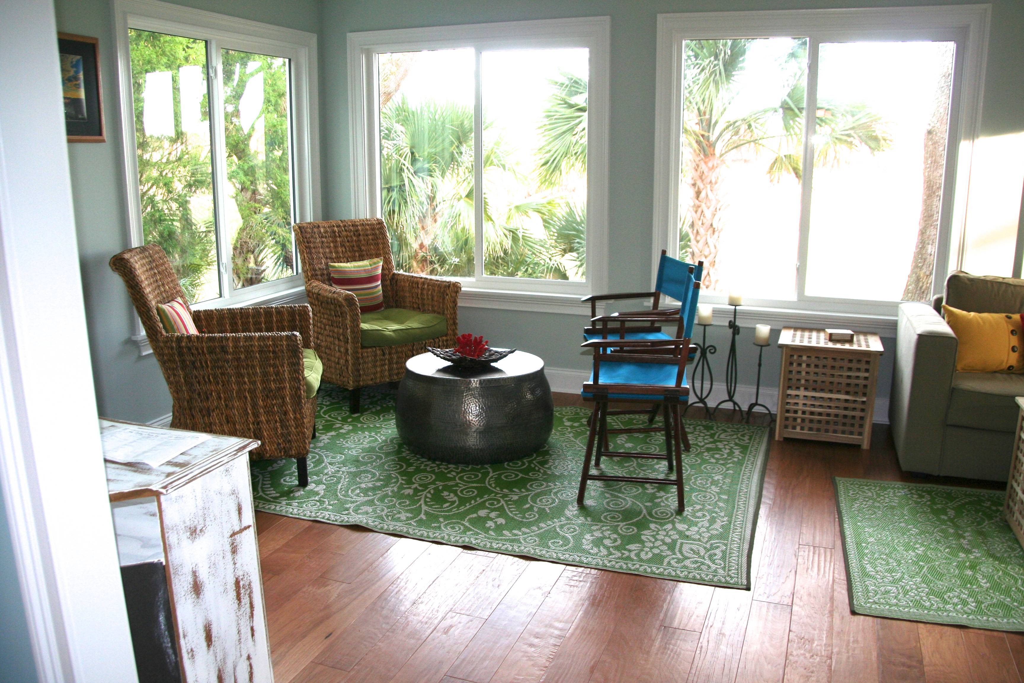 There are comfortable seating nooks allowing for quiet conversation with your guests.