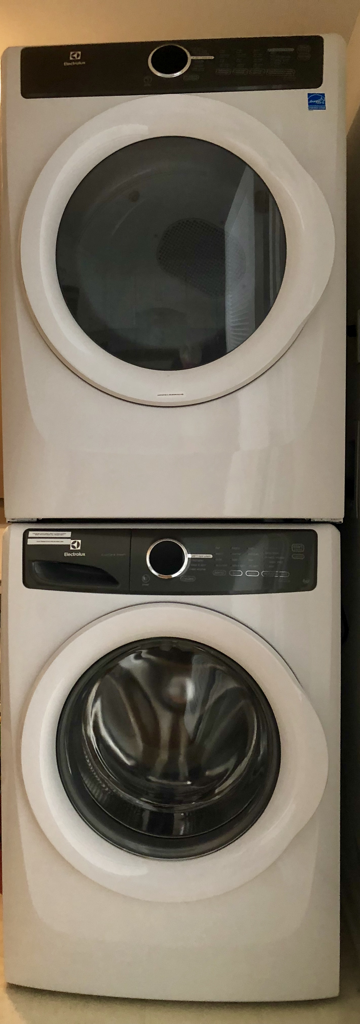 A full size washer and dryer are in the kitchen closet for your use.