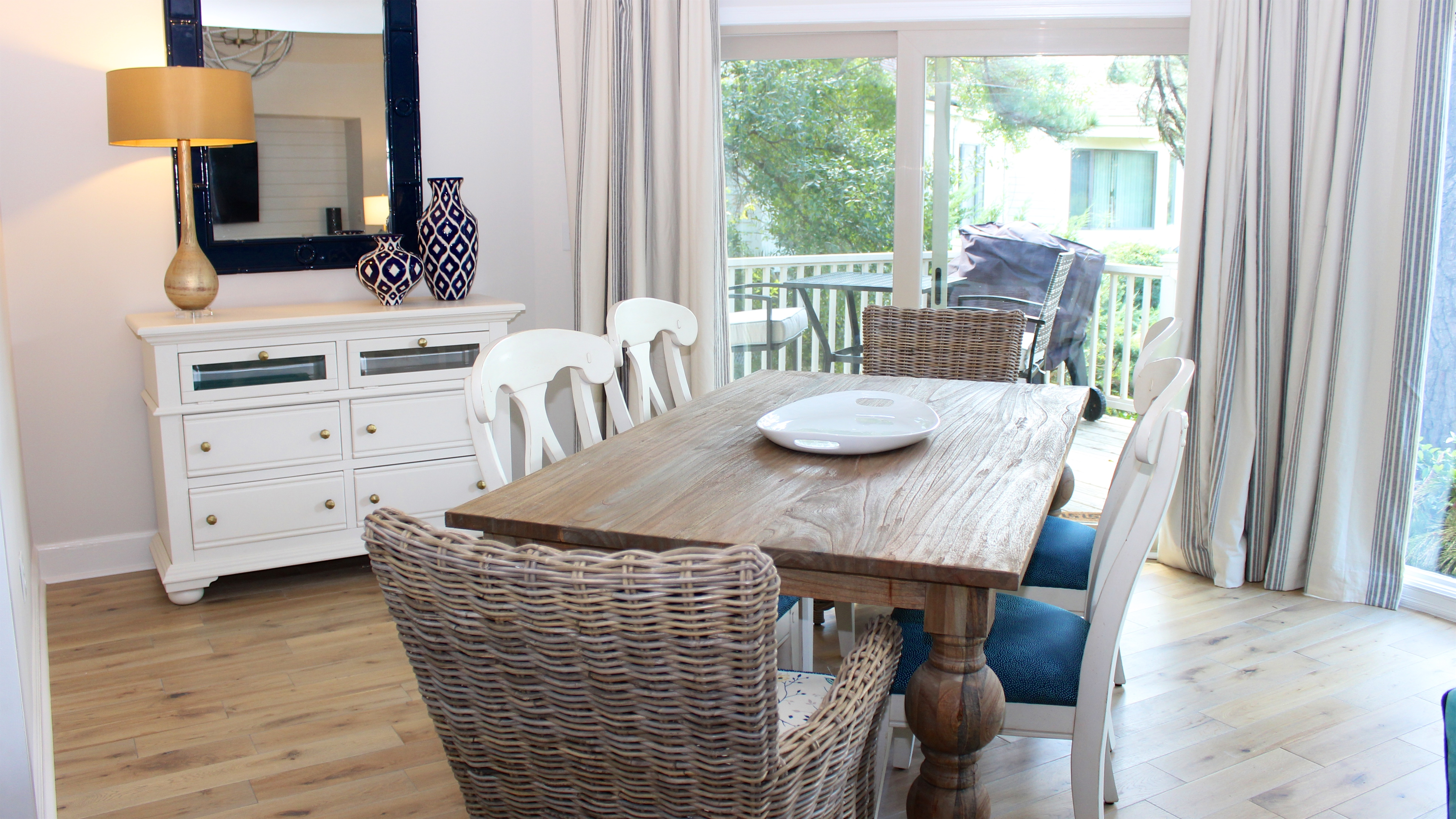 Enjoy sharing stories from your day while dining. Windows surround offering bright light.