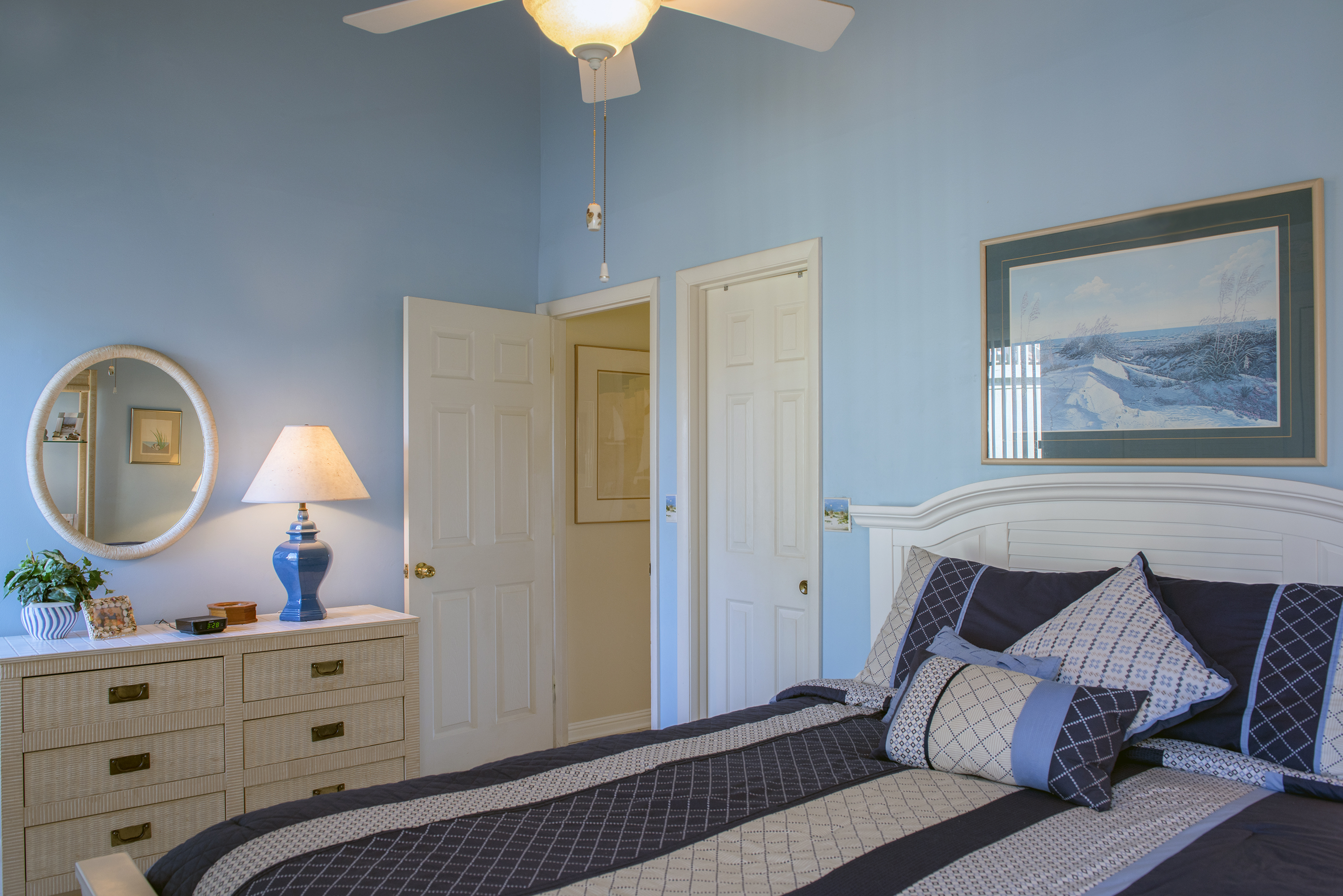 There is a guest bedroom on the first floor with queen bed and access to the full bath.