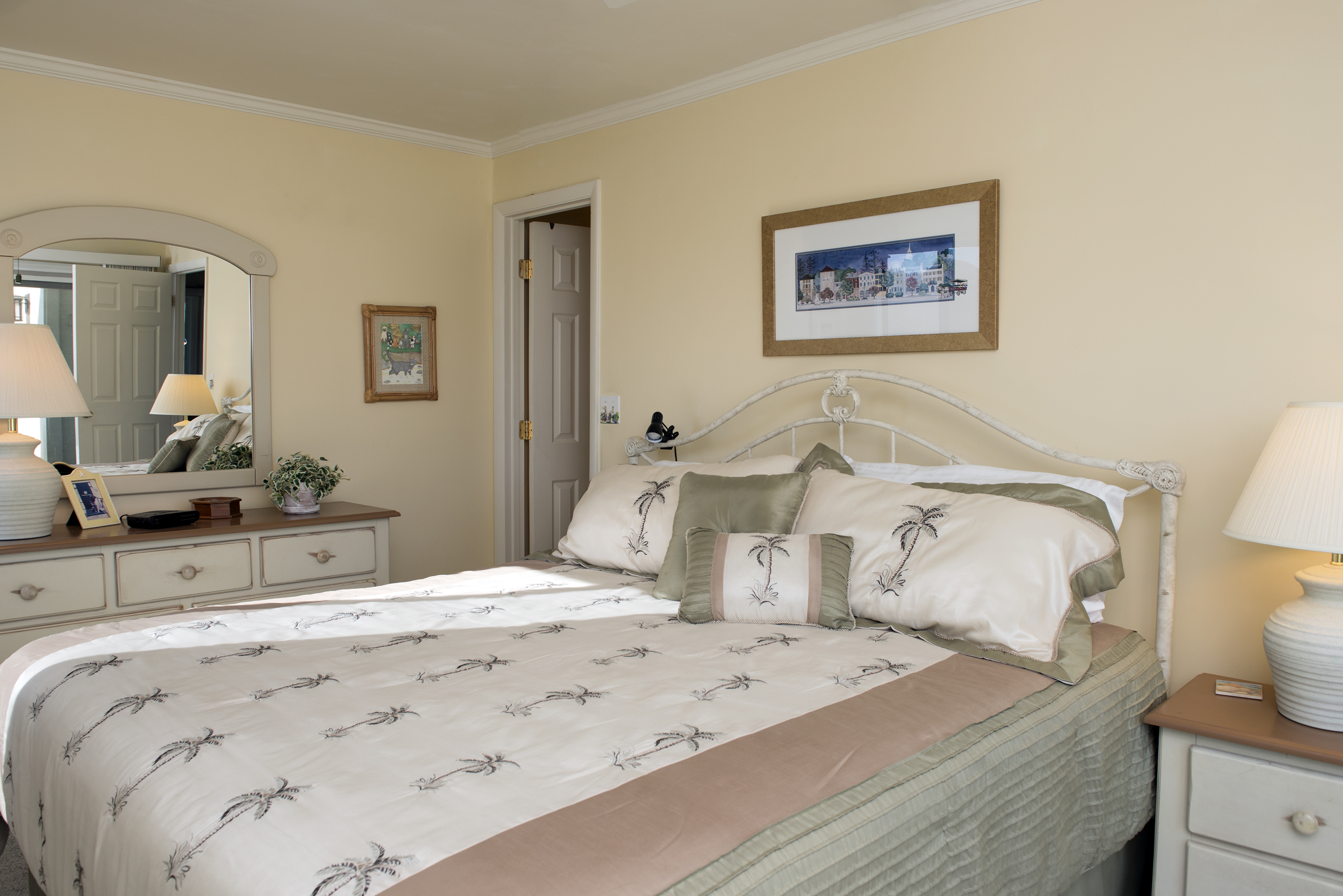 The master bedroom is on the 1st floor & has a king bed.