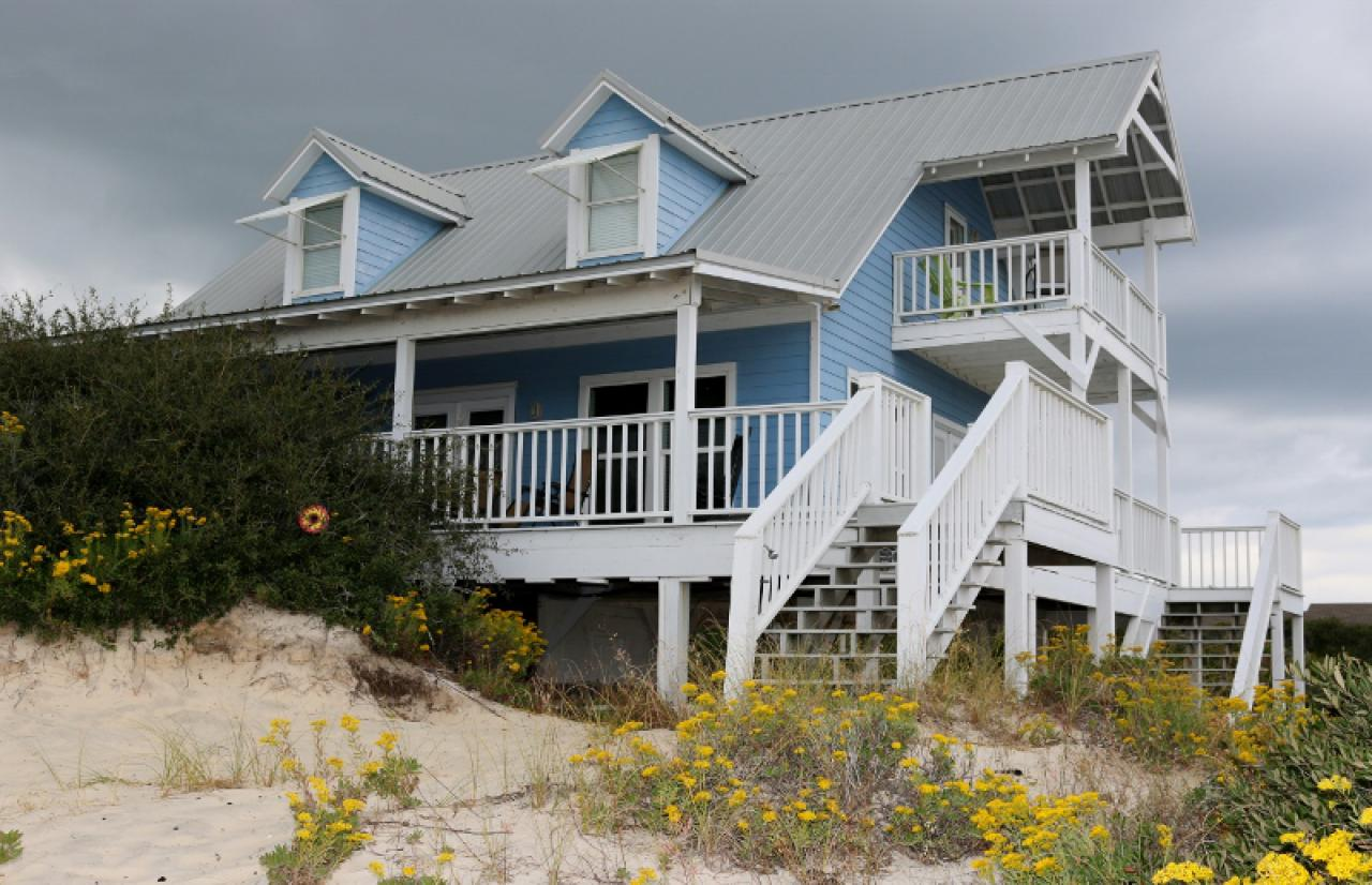 Dune Refuge Beach House: 3 Bedroom Vacation House Rental ...