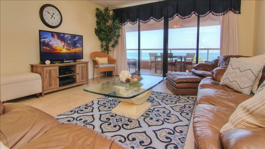 Living Room with Flatscreen TV