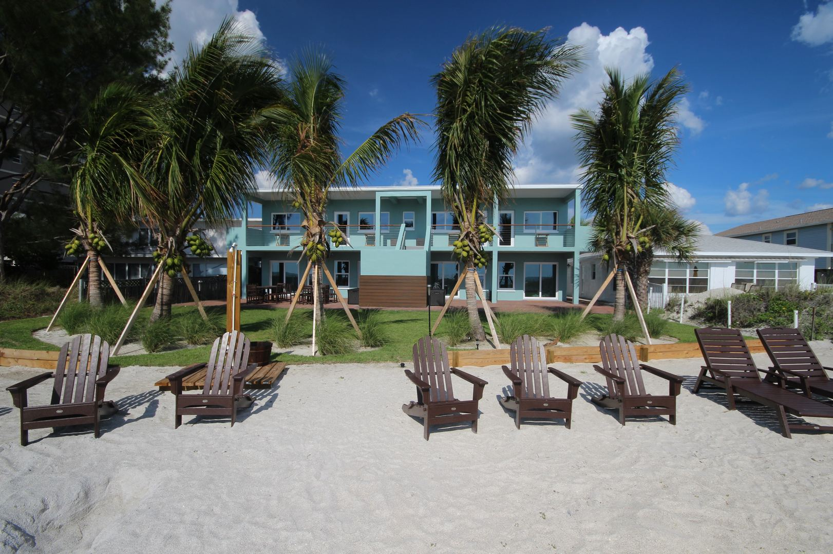Complex Beach View & Seating