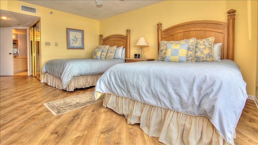 Master Bedroom w/2 Queen Beds