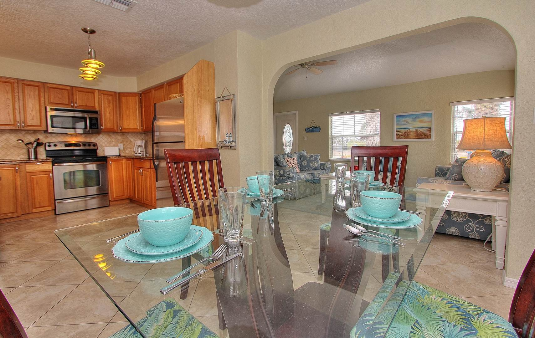 Dining Area w/ Kitchen