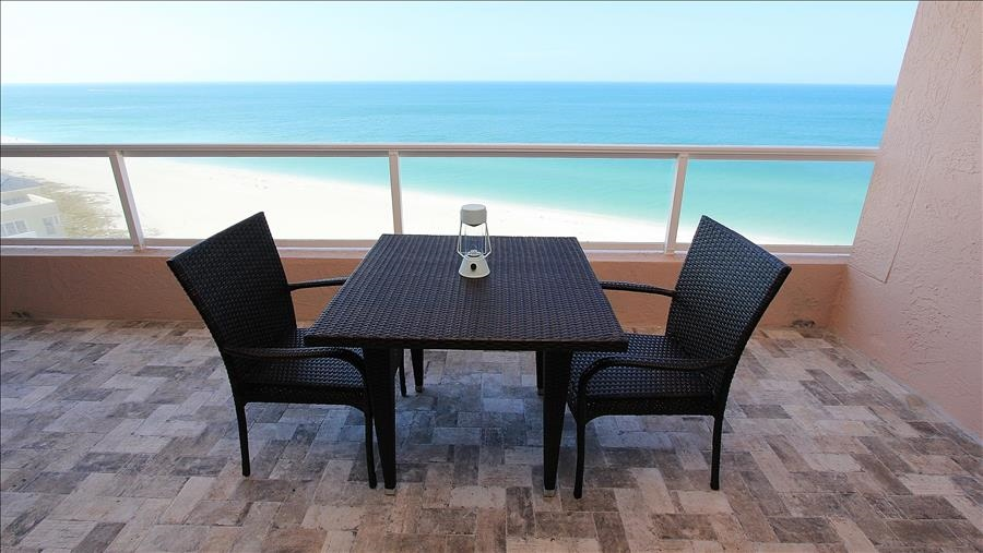 Dining for 2 on Balcony