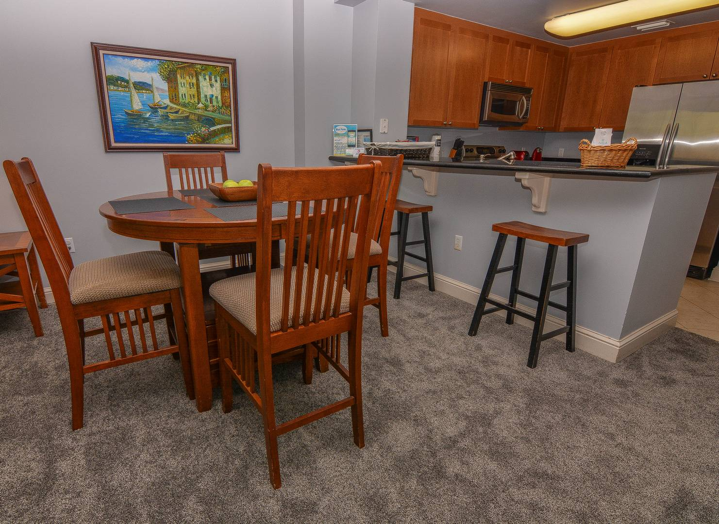 Dining Room & Counter Seating