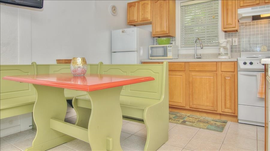 Bench Seating Dining Table & Kitchen