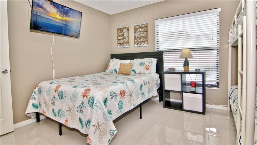 Full Bed In Guest Room