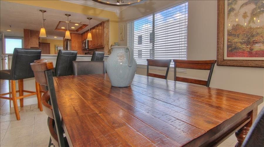 Dining Table & Counter Seating