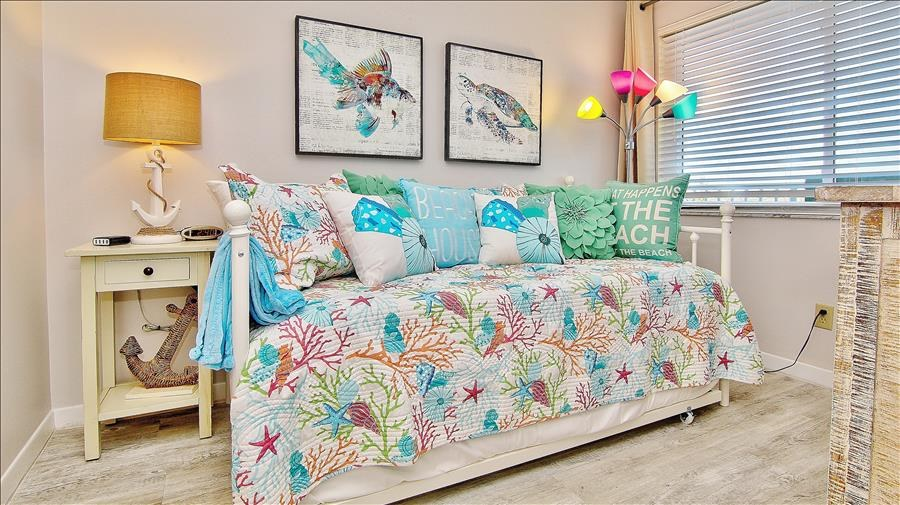 Trundle Bed Coral