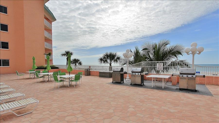 Complex Sundeck with Grills