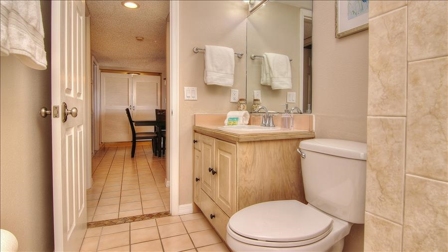 Guest Bathroom off Dining Room