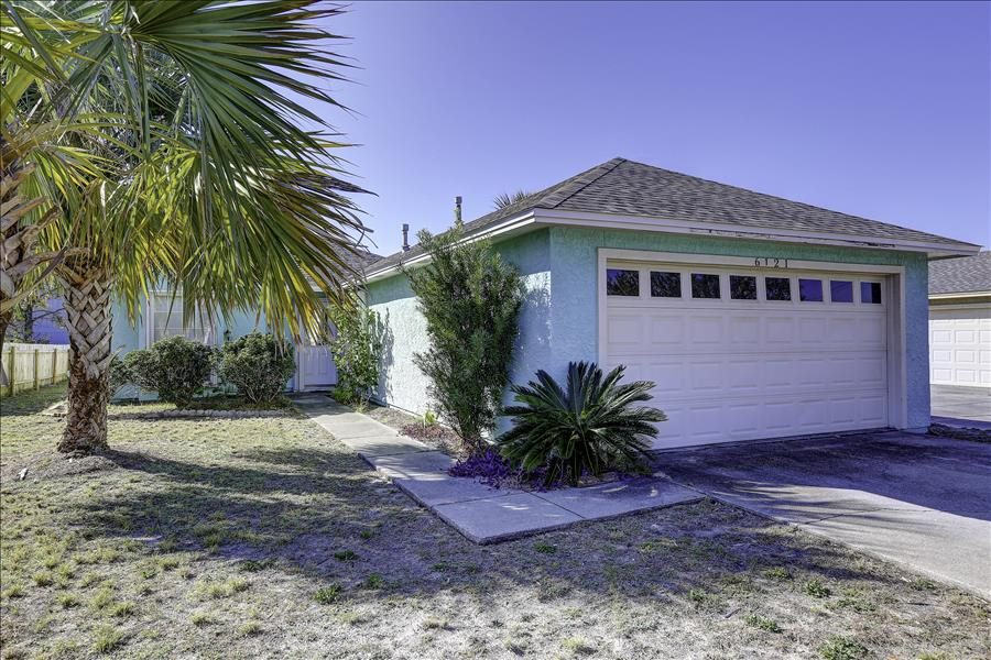Sunset Blue Pet Friendly 3 Bedroom Vacation Home Rental Panama City Beach Fl 145503 Find Rentals