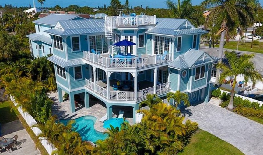 Caribbean Dream Anna Maria Island 5 Bedroom Vacation Home Rental Holmes Beach Fl With Pool 120747 Find Rentals