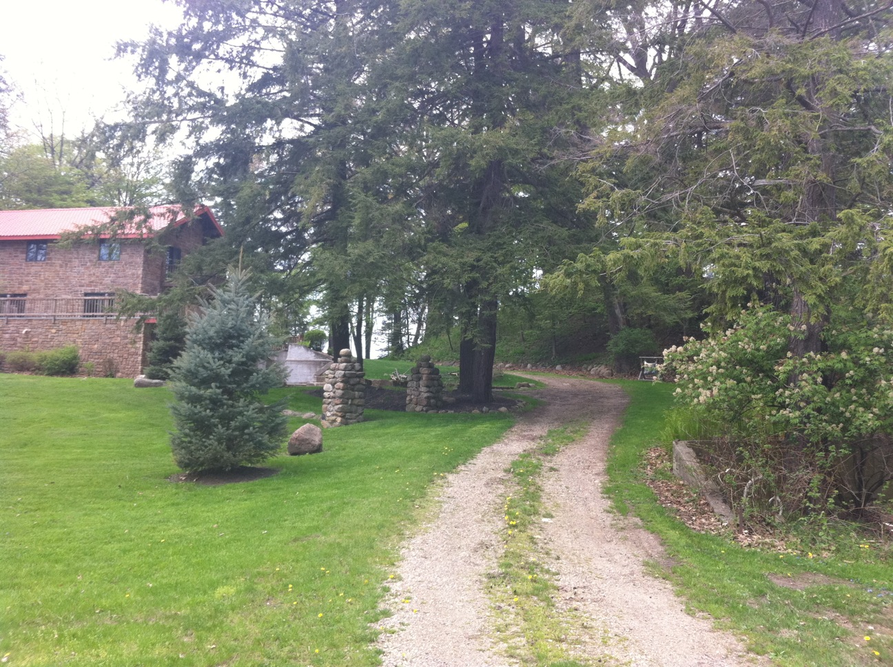 Driveway leading to House