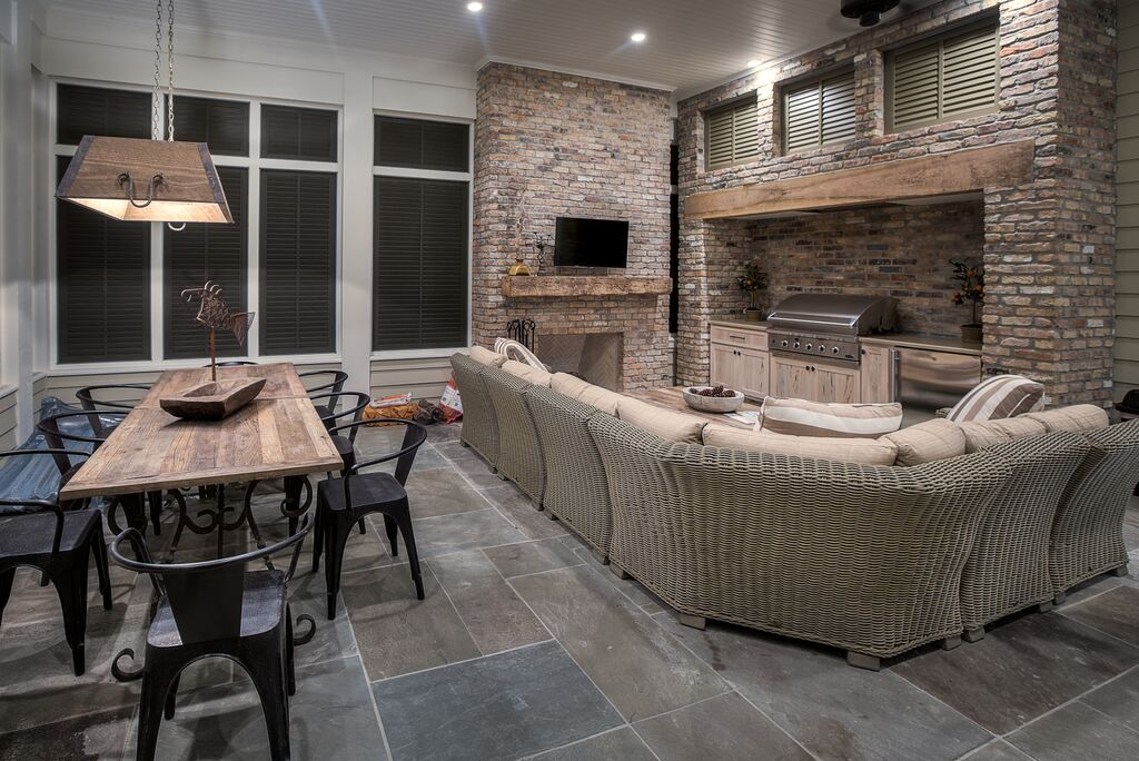 Screened-In Outdoor Living and Dining Room with Gas Grill Kitchen, Wood-Burning Fireplace and Flat Screen TV